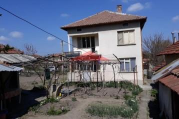 Къща в с.Вардим